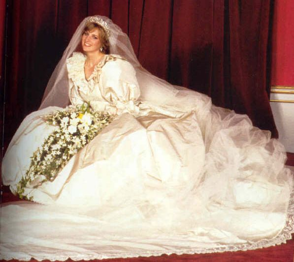 Princess Diana Wedding Dress Image via Pinterest